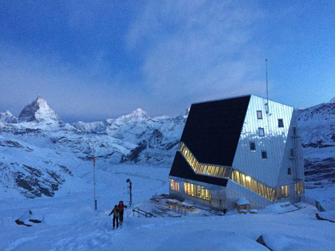 Monte Rosa Hütte und Matterhorn